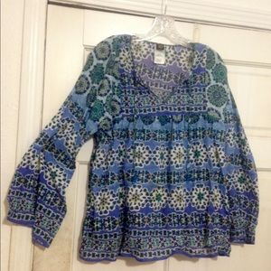 Beautiful Boho peasant top is all cotton NWOT.
